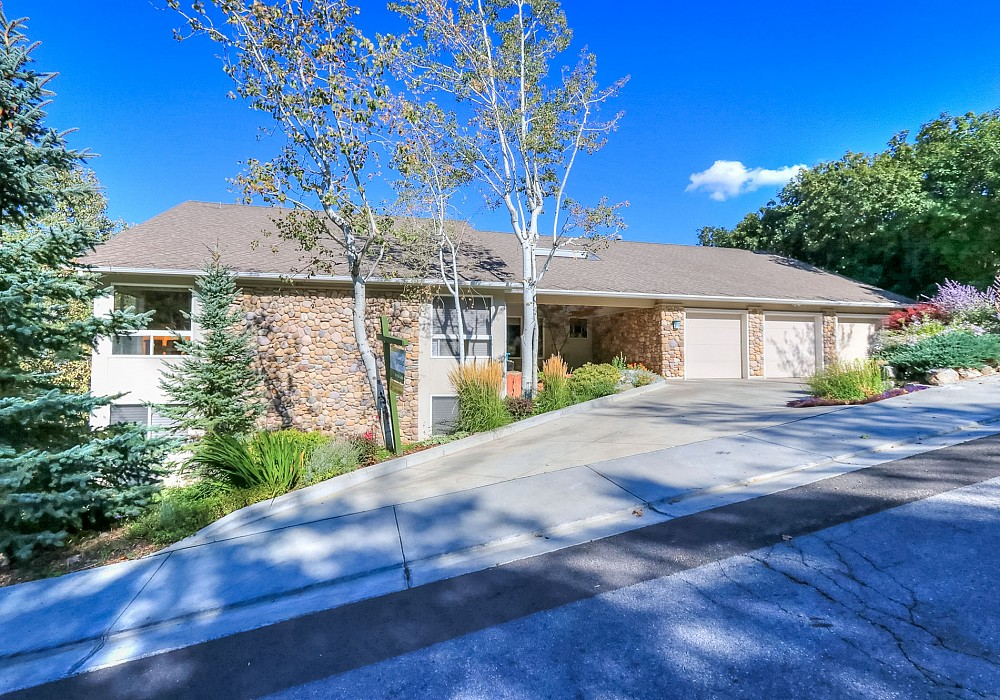 2585 E. Cave Hollow Way, Bountiful, UT 84010