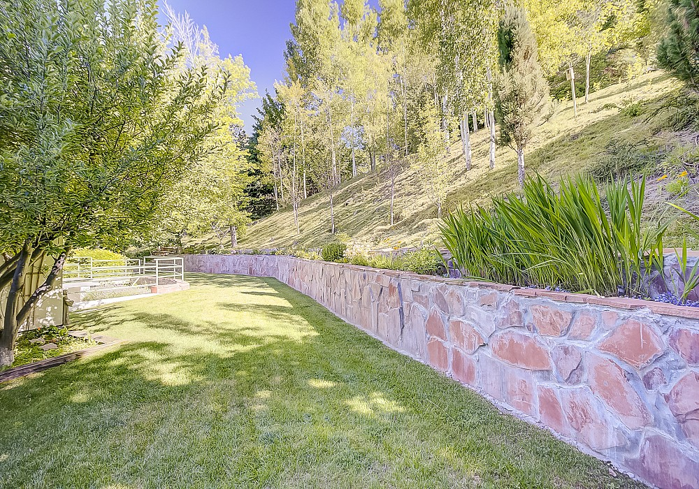 1611 E. Federal Heights Drive, Salt Lake City, UT 84103