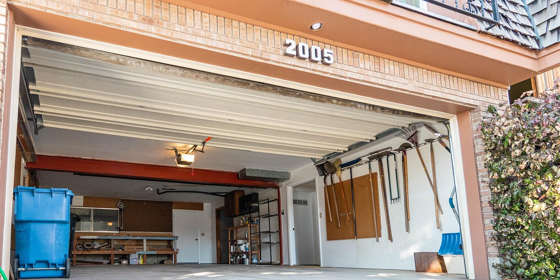 2005 E. Wildwood Drive, Holladay, UT 84121