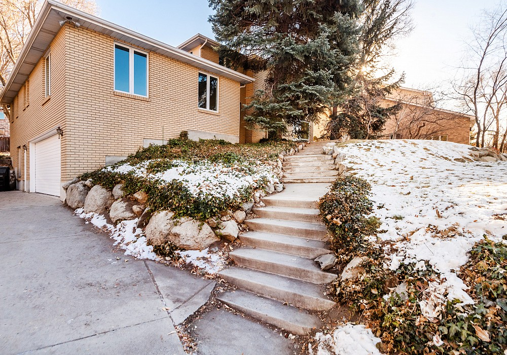 7355 S. Comstock Circle, Cottonwood Heights, UT 84121