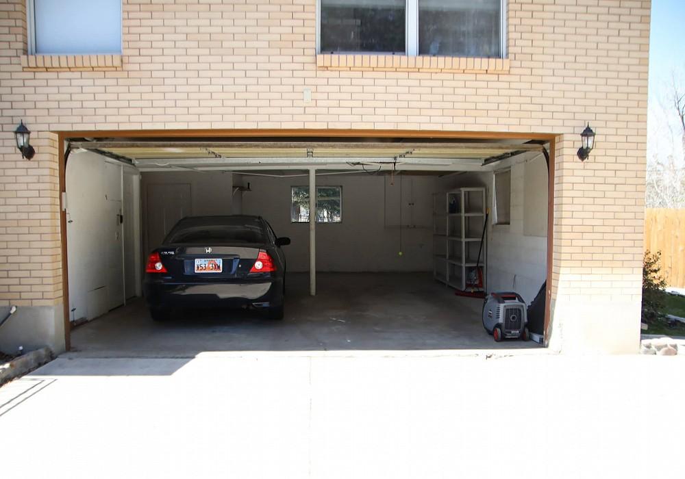 8120 S. Oak Creek Drive, Sandy, UT 84093